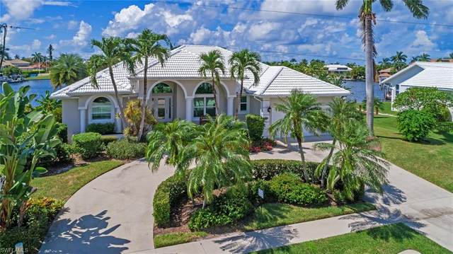 530 Mangrove Ct, Marco Island, FL 34145 (#220061826) :: Caine Premier Properties