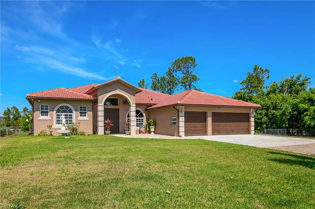 1911 47th Ave NE, Naples, FL 34120 (MLS #221017928) :: Clausen Properties, Inc.