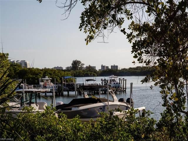 445 Cove Tower Dr #902, Naples, FL 34110 (MLS #221018229) :: NextHome Advisors