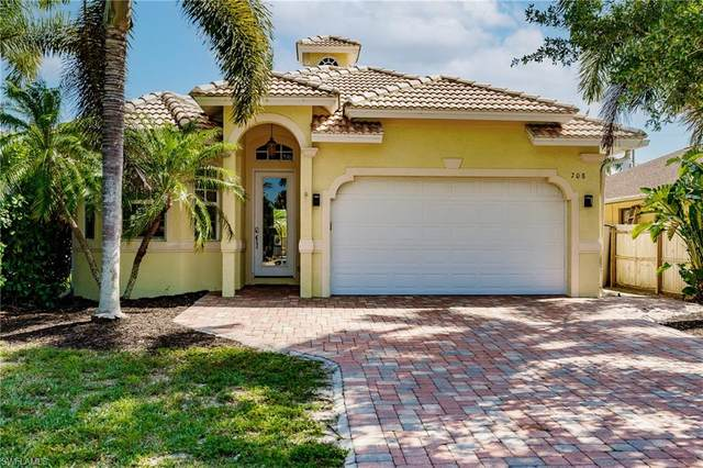 708 108th Ave N, Naples, FL 34108 (MLS #221026964) :: Realty World J. Pavich Real Estate