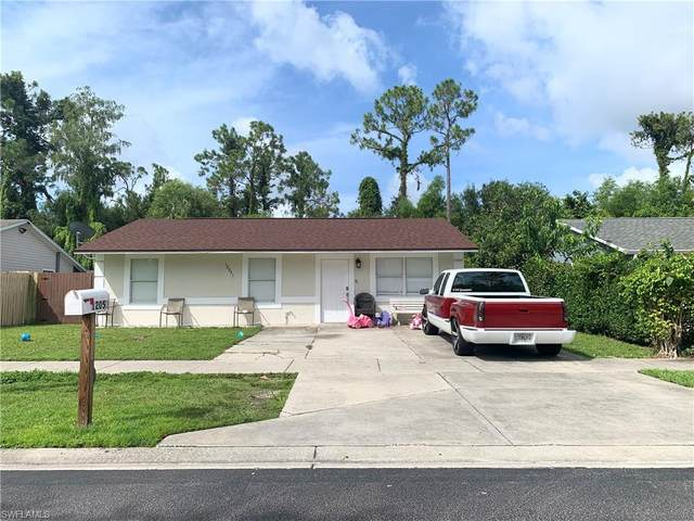 12051 Sitterley St, Naples, FL 34113 (MLS #221051821) :: Realty One Group Connections