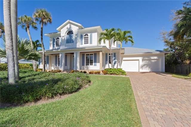375 Wedge Dr, Naples, FL 34103 (MLS #218077280) :: Clausen Properties, Inc.