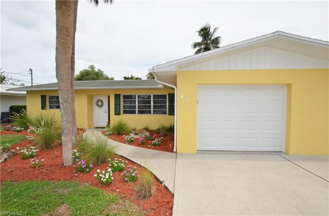 2723 Shoreview Dr, Naples, FL 34112 (#217044523) :: Equity Realty