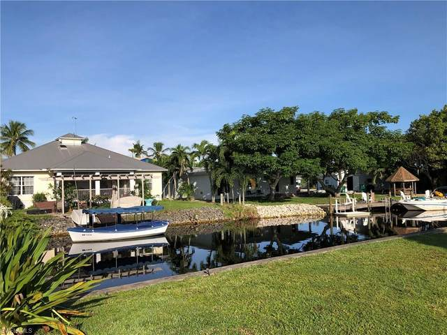 2620 Riverview Dr, Naples, FL 34112 (MLS #220062265) :: #1 Real Estate Services