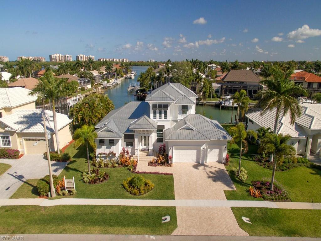 808 Giralda Ct, Marco Island, FL 34145 (MLS #215000188) :: The New Home Spot, Inc.