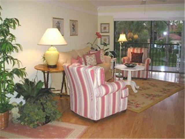 3243 Horse Carriage Way #108, Naples, FL 34105 (#207038312) :: Homes and Land Brokers, Inc