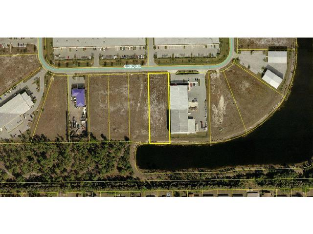7911 Drew Cir, Fort Myers, FL 33912 (#212012836) :: Homes and Land Brokers, Inc