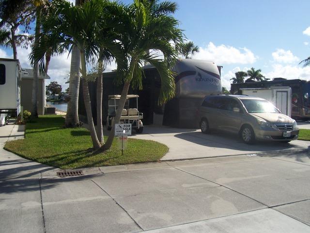 548 Cheetah Dr, Naples, FL 34114 (#212035677) :: Homes and Land Brokers, Inc