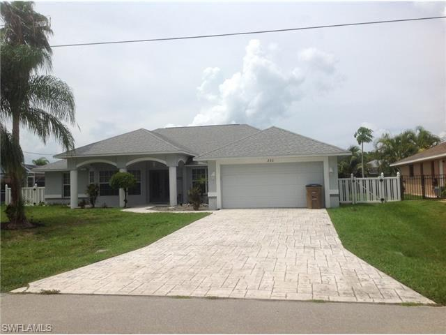 233 SW 37th Ln, Cape Coral, FL 33914 (MLS #214042115) :: The New Home Spot, Inc.