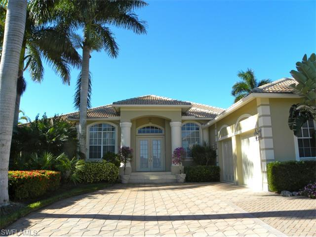 276 Bald Eagle Dr, Marco Island, FL 34145 (MLS #214063010) :: The New Home Spot, Inc.