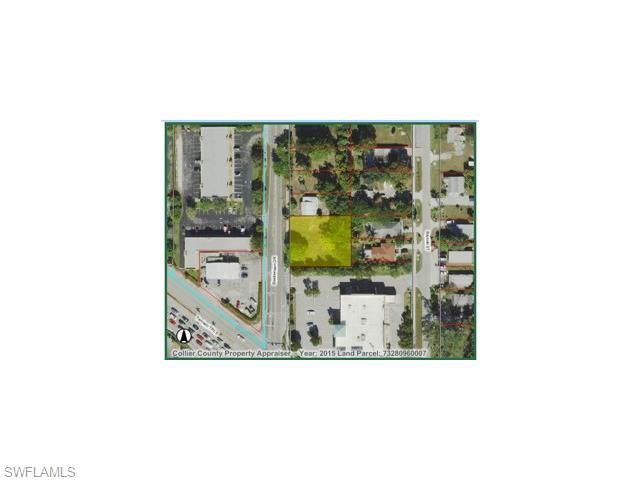 2479 Shadowlawn Dr, Naples, FL 34112 (#215048081) :: Homes and Land Brokers, Inc