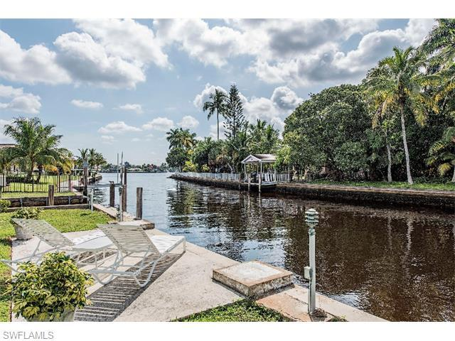 900 17TH Ave S, Naples, FL 34102 (#215049245) :: Homes and Land Brokers, Inc