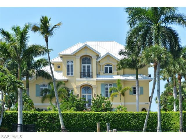 0 Gulf Shore Dr, Naples, FL 34108 (#215054340) :: Homes and Land Brokers, Inc