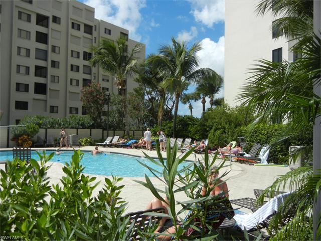6640 Estero Blvd #703, Fort Myers Beach, FL 33931 (MLS #215056134) :: The New Home Spot, Inc.