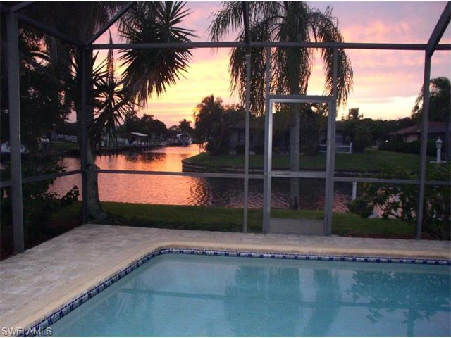 1518 SE 20th Pl, Cape Coral, FL 33990 (#215059156) :: Homes and Land Brokers, Inc