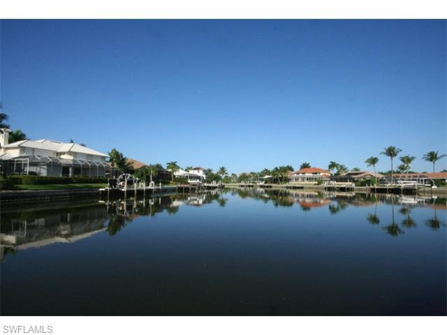 500 Bradford Ct, Marco Island, FL 34145 (#215064035) :: Homes and Land Brokers, Inc