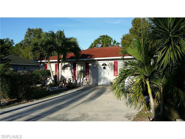 12105 Fuller Ln, Naples, FL 34113 (MLS #215066764) :: The New Home Spot, Inc.