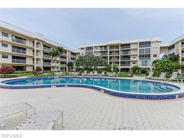 3450 Gulf Shore Blvd N #113, Naples, FL 34103 (MLS #215070511) :: The New Home Spot, Inc.