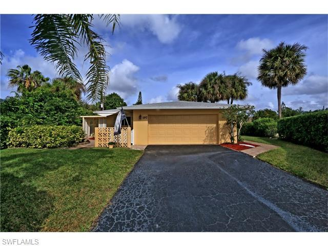 197 Erie Dr, Naples, FL 34110 (#215072917) :: Homes and Land Brokers, Inc