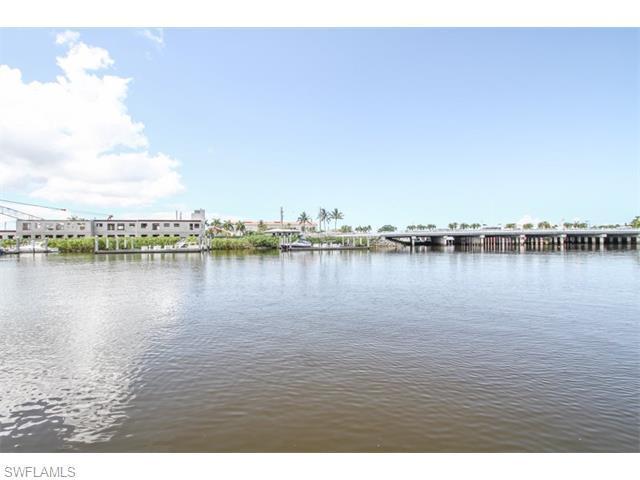 451 Bayfront Pl #5411, Naples, FL 34102 (#216000603) :: Homes and Land Brokers, Inc