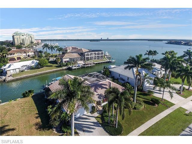 874 Magnolia Ct, Marco Island, FL 34145 (#216007384) :: Homes and Land Brokers, Inc