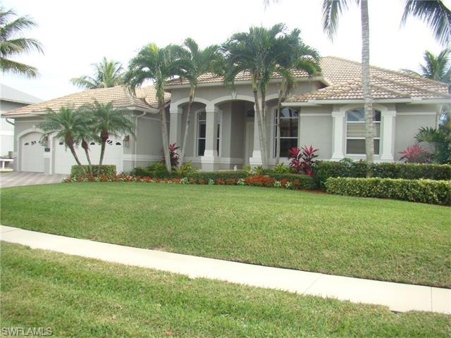 987 Hunt Ct, Marco Island, FL 34145 (MLS #216008864) :: The New Home Spot, Inc.