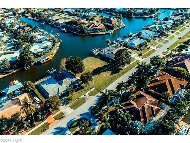 1771 Wavecrest Ct, Marco Island, FL 34145 (#216009226) :: Homes and Land Brokers, Inc