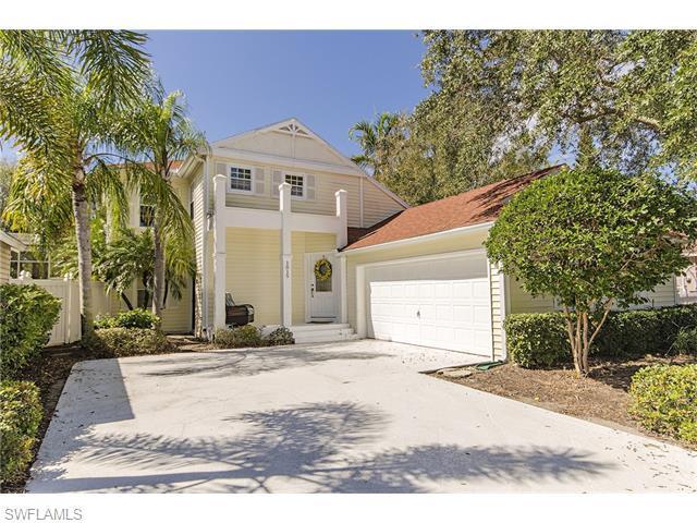 1015 Silverstrand Dr, Naples, FL 34110 (MLS #216013091) :: The New Home Spot, Inc.