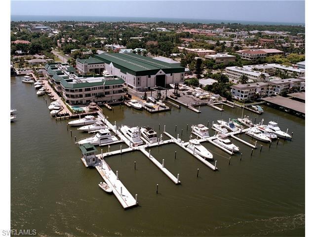 909 10TH St S #32, Naples, FL 34102 (MLS #216013190) :: The New Home Spot, Inc.