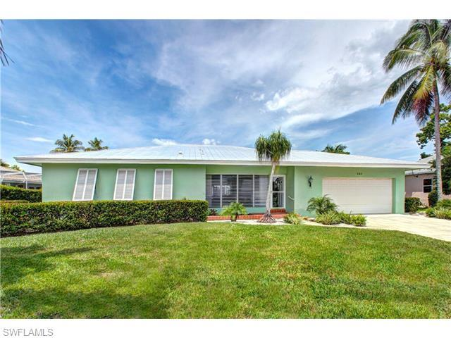382 Yellowbird St, Marco Island, FL 34145 (MLS #216018186) :: The New Home Spot, Inc.
