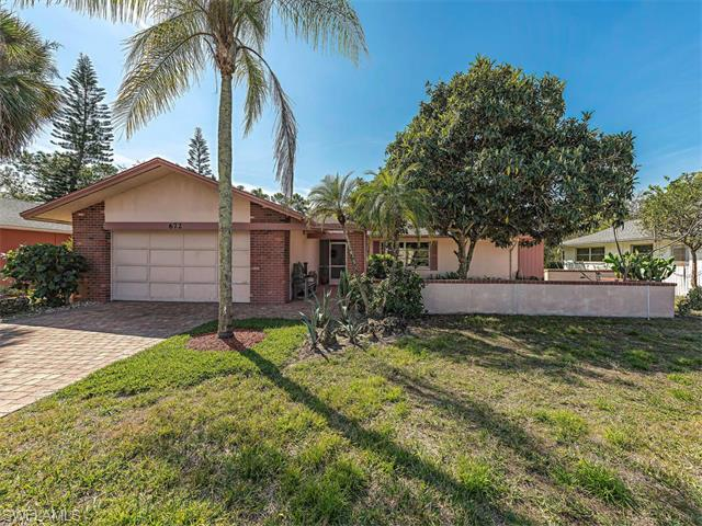 672 Pompano Dr, Naples, FL 34110 (#216018868) :: Homes and Land Brokers, Inc