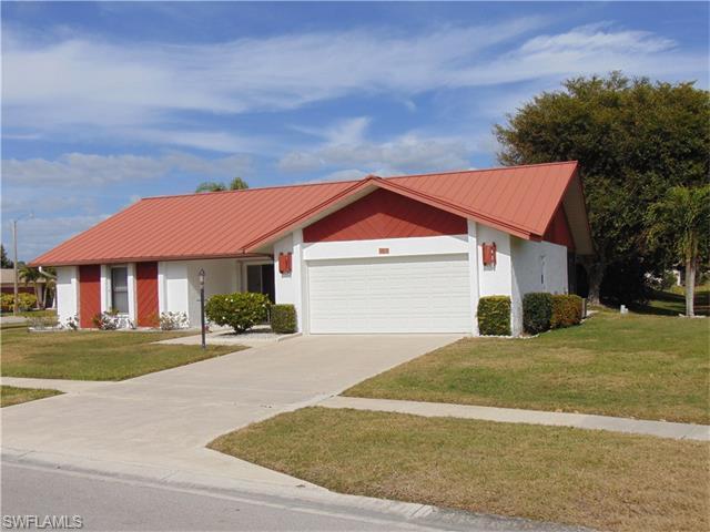 124 Fleur De Lis Ln, Naples, FL 34112 (MLS #216019281) :: The New Home Spot, Inc.