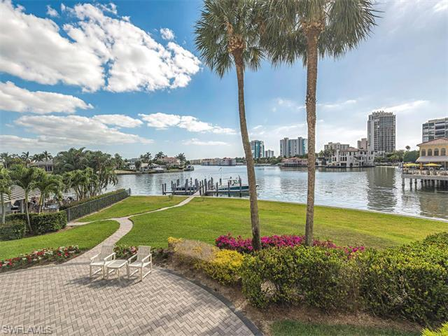 250 Park Shore Dr #102, Naples, FL 34103 (#216021027) :: Homes and Land Brokers, Inc
