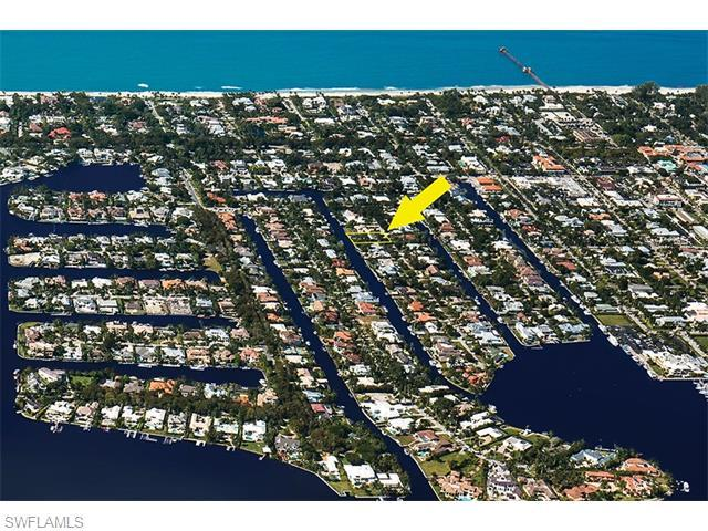 500 16th Ave S, Naples, FL 34102 (#216023029) :: Homes and Land Brokers, Inc