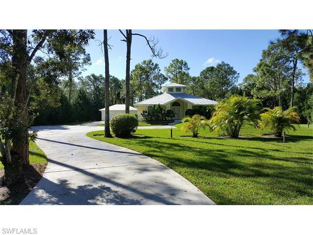 5980 Sea Grass Ln, Naples, FL 34116 (#216023116) :: Homes and Land Brokers, Inc