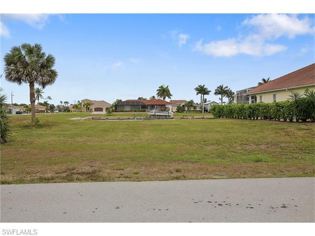 1610 Galleon Ct, Marco Island, FL 34145 (MLS #216024836) :: The New Home Spot, Inc.