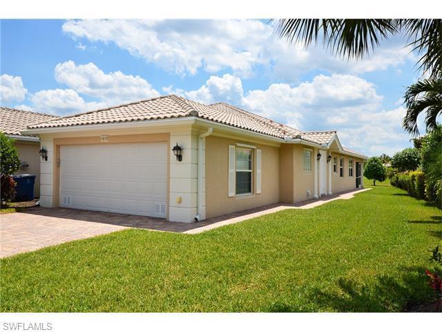 15473 Orlanda Dr, Bonita Springs, FL 34135 (MLS #216030174) :: The New Home Spot, Inc.