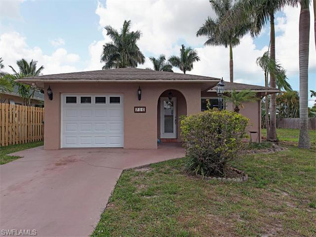 716 108th Ave N, Naples, FL 34108 (MLS #216031980) :: The New Home Spot, Inc.