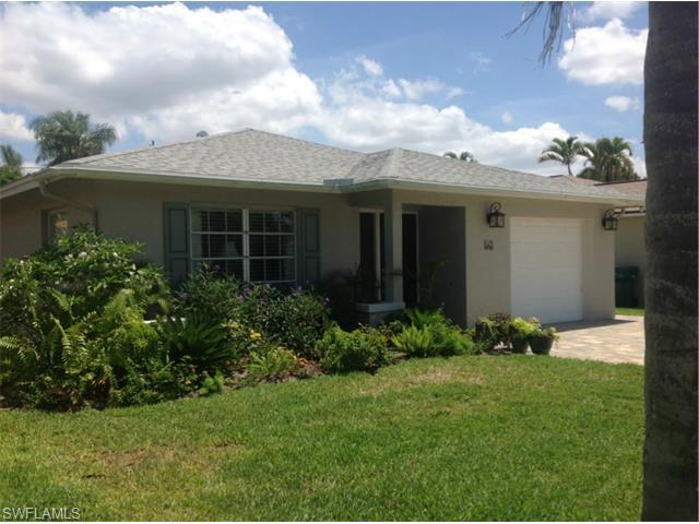 561 104th Ave N, Naples, FL 34108 (#216032076) :: Homes and Land Brokers, Inc