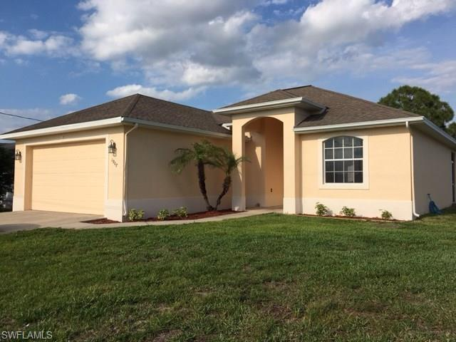 1907 Nora Ave S, Lehigh Acres, FL 33971 (MLS #216033910) :: The New Home Spot, Inc.