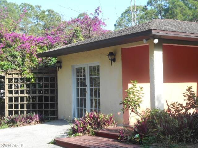 3291 5th Ave SW, Naples, FL 34117 (#216036934) :: Homes and Land Brokers, Inc