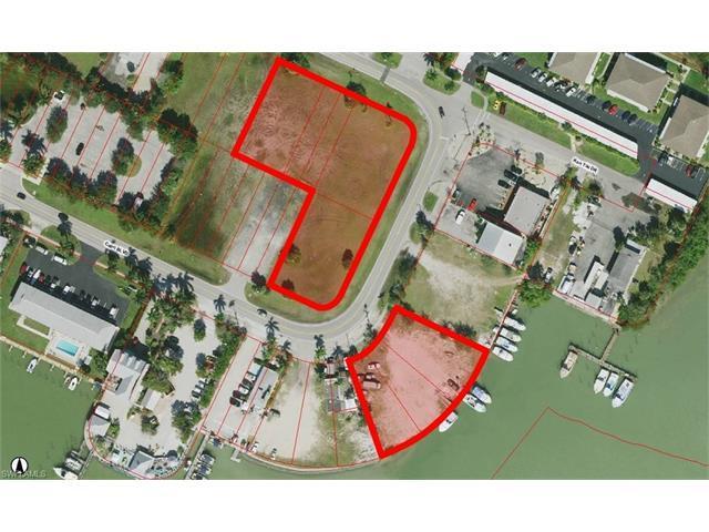 300 Capri Blvd, Naples, FL 34113 (#216036942) :: Homes and Land Brokers, Inc