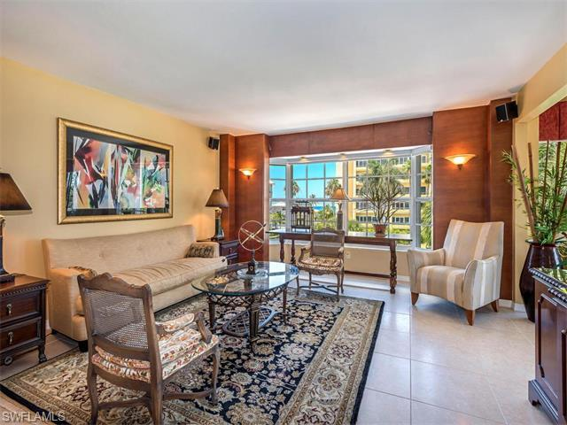 1900 Gulf Shore Blvd N #302, Naples, FL 34102 (#216037642) :: Homes and Land Brokers, Inc