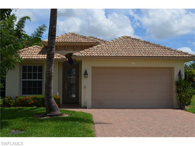 587 97th Ave N, Naples, FL 34108 (#216037851) :: Homes and Land Brokers, Inc