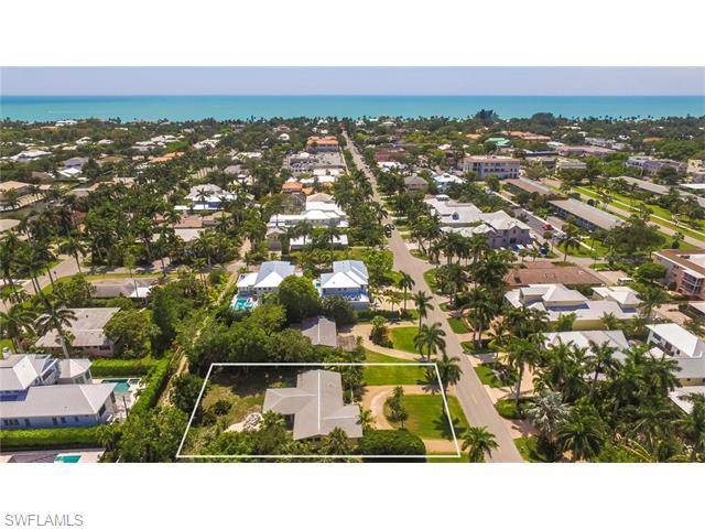 570 13th Ave S, Naples, FL 34102 (MLS #216037929) :: The New Home Spot, Inc.