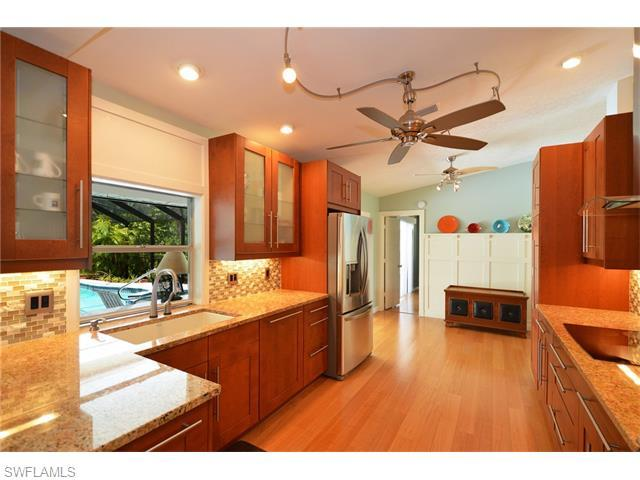 5096 Boxwood Way, Naples, FL 34116 (#216038180) :: Homes and Land Brokers, Inc