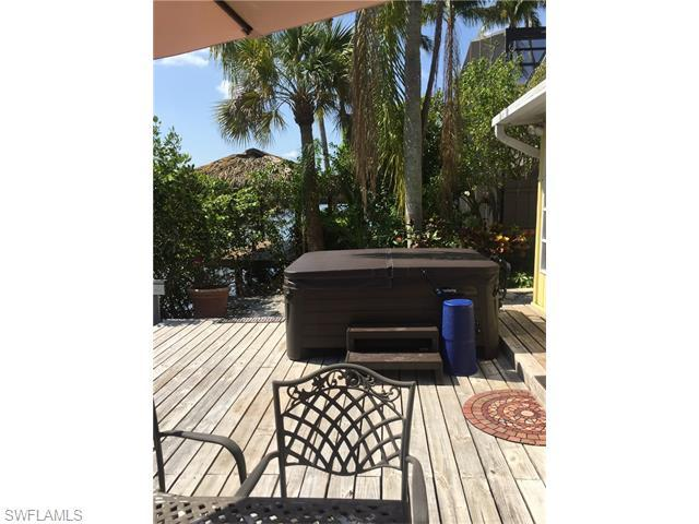 1278 Venetian Way, Naples, FL 34110 (#216038986) :: Homes and Land Brokers, Inc