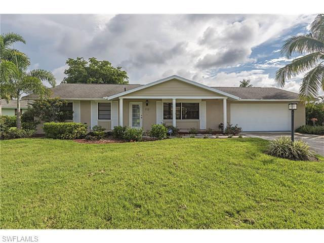 112 Blue Ridge Dr, Naples, FL 34112 (MLS #216039479) :: The New Home Spot, Inc.