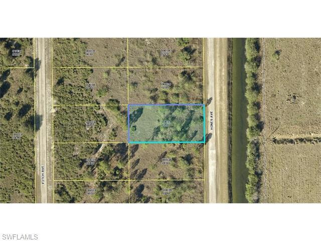 1115 Hines Ave, Lehigh Acres, FL 33972 (#216039507) :: Homes and Land Brokers, Inc