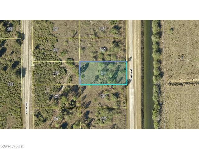 1117 Hines Ave, Lehigh Acres, FL 33972 (MLS #216039509) :: The New Home Spot, Inc.